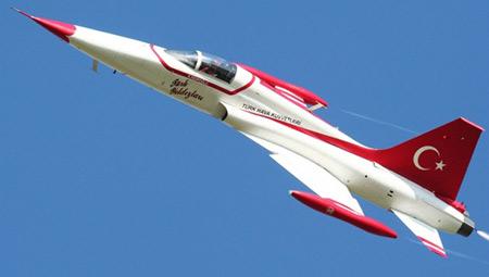 northrop-f-5-freedom-fighter-turkish-stars