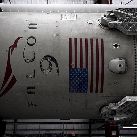 space-x-falcon-9